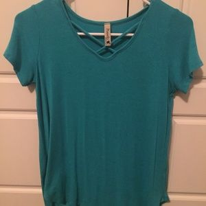 YOUTH GIRLS LARGE TEAL T-SHIRT WITH CRIS-CROSS